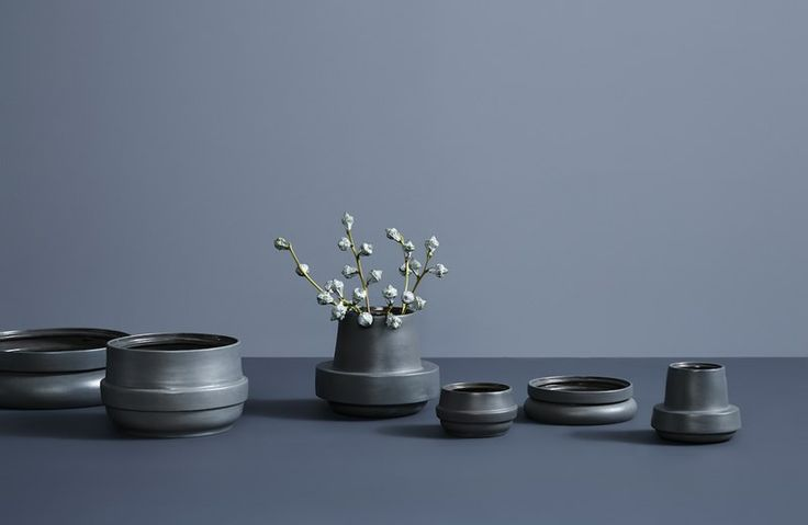 Bring som flowers and life into your home with • Hinken pots • Designed by Silje Nesdal & Ann Kristin Einarsen #pots #accessories #ceramic #norwegian  #design #WOUDdesign