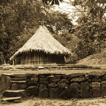 indigenous-hut-pueblito-tour-tayrona-colombia-lulo