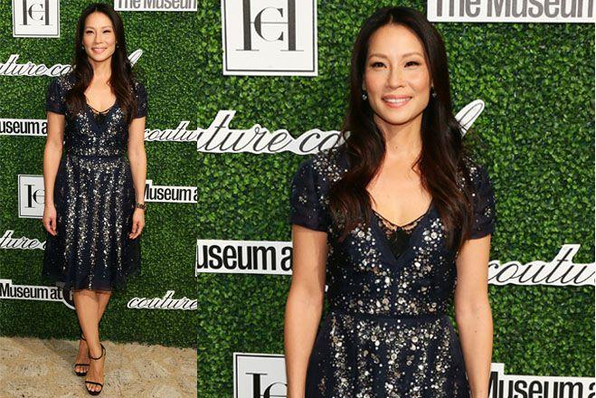 Lucy Liu con outfit scintillante ai Couture Council Award