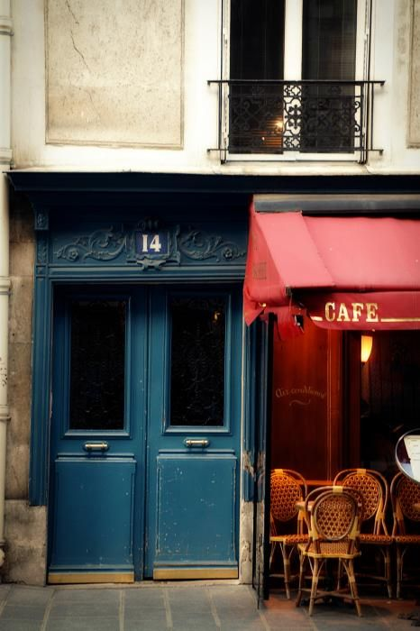 Another cafe in Paris: Blue Doors, Cafecaf Corner, Paris Cafe, Parisians Cafe, Cafe Corner, French Cafe, Cafe K-Cup, Colors Doors, French Blue