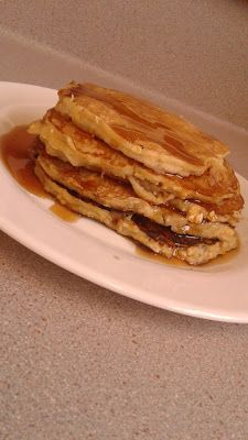 Healthy Banana and Oat Pancakes  Ingredients:  1 1/2 cups of flour 3/4 cups rolled oats 2 bananas 2 eggs  2 tablespoons of sugar       4 teaspoons baking powder 1 teaspoon salt 1 cup milk 4 tablespoons olive oil or butter  Check out the full recipe on  http://healthyrootss.blogspot.co.nz/2017/05/healthy-banana-and-oat-pancakes.html