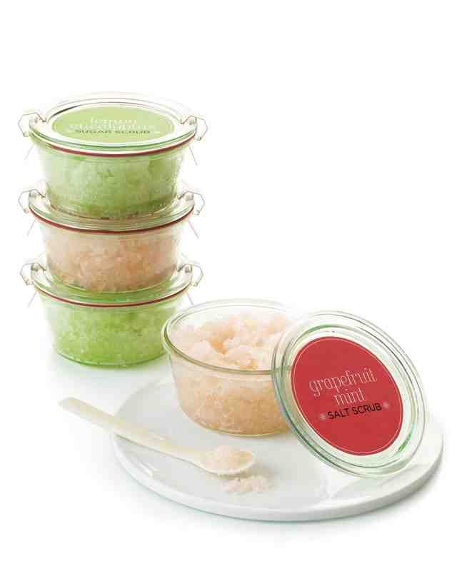 Get beach-ready skin with an easy-to-make moisturizing exfoliant that has only four ingredients.