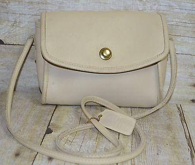 Vintage-Coach-Chrystie-9892-Leather-Snap-Flap-Close-Cross-Body-Bag-USA