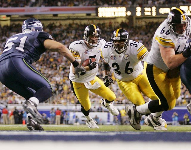 Pittsburgh Steelers vs Seattle Seahawks in Super Bowl XL action at Ford Field in Detroit, MI on Feb. 5, 2006