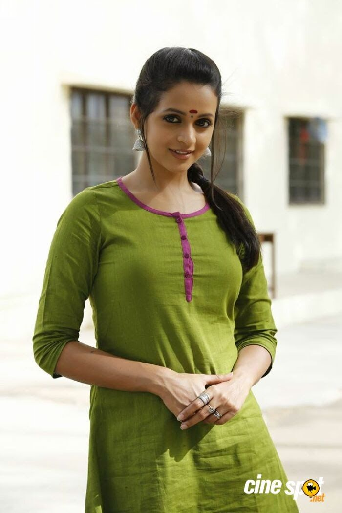 Stunning Pictures Of Actresses: bhavana hot