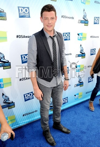 Cory Monteith from GLEE rocking out Parasuco jeans (style 9BRADY2) http://www.parasuco.com/shop/product/9BRADY2_002_28_34/