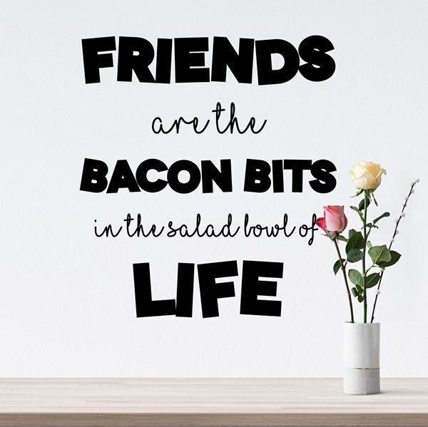 Wallsticker om venner og bacon - vælg mellem mange forskellige farver