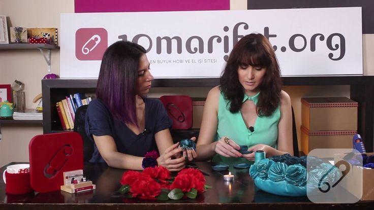 Video: Mavi kumaş çiçek yapımı ve çiçekli çerçeve