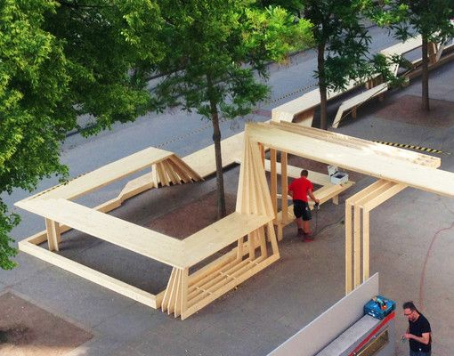 Holzskulptur markiert Zentrum der Wiener Festwochen - proHolz Austria