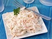 VIDEO: Vynikajícího salátu coleslaw připravíte za babku plnou mísu