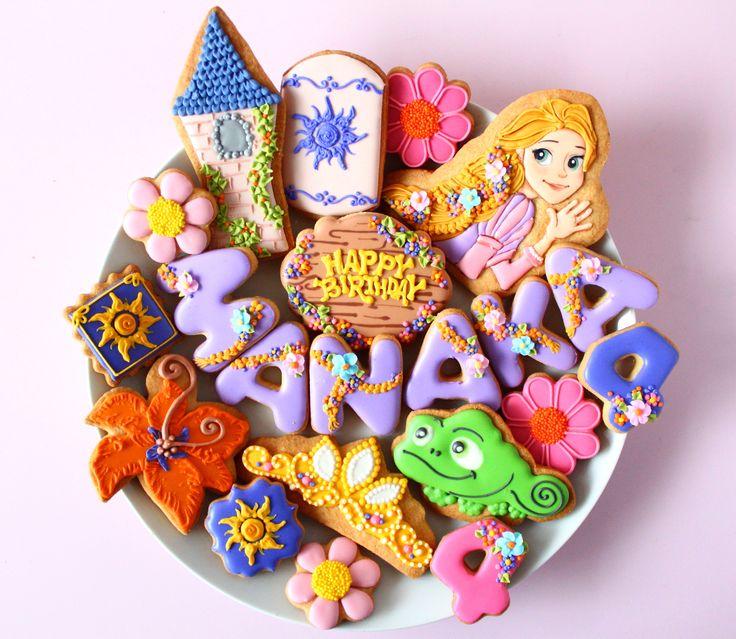Rapunzel icing cookies. Tangled icing cookies. 塔の上のラプンツェルのアイシングクッキー