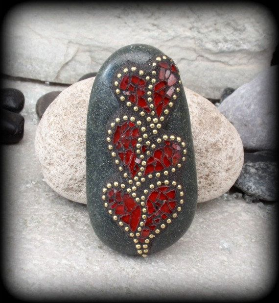 Mosaic Rock Paperweight / Garden Stone by Chris Emmert.  Love this!  Wonder how hard it is to make mosaics?
