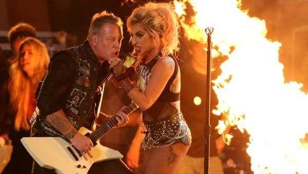 Grammy 2017: el poderoso show de Metallica con Lady Gaga Una mezcla rara sobre el escenario del Staples Center de Los Ángeles que sonó increíblemente bien. FOTOS Y VIDEO. Fuente ... http://sientemendoza.com/2017/02/13/grammy-2017-el-poderoso-show-de-metallica-con-lady-gaga/