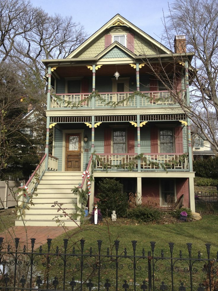 202 best victorian sea cliff images on pinterest sea for Our victorian house