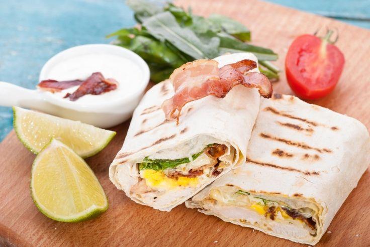 Лаваш – продукт универсальный. Он может быть и <br /> самостоятельным блюдом, и использоваться в качестве хлеба. А еще в него удобно заворачивать самую разнообразную начинку. В таком виде лаваш станет идеальным блюдом на природе в теплой компании. Итак, 5 гениальных рецептов!