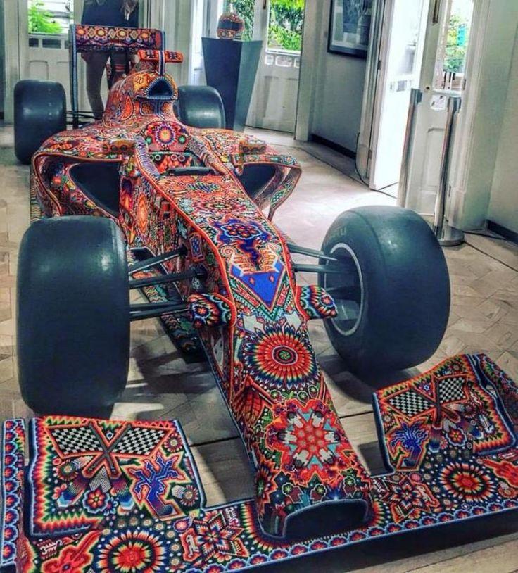 18 artesanos huicholes trabajaron 4 meses en realizar estas hermosas artesanías