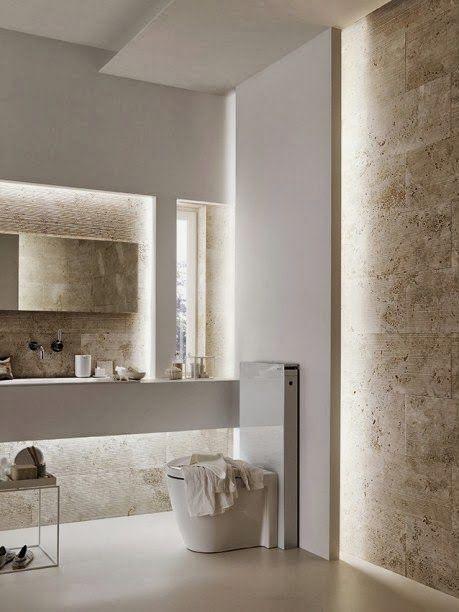 Salle de bains classique chic. http://www.m-habitat.fr/par-pieces/sanitaires/idees-deco-et-amenagements-pour-une-salle-de-bains-2682_A