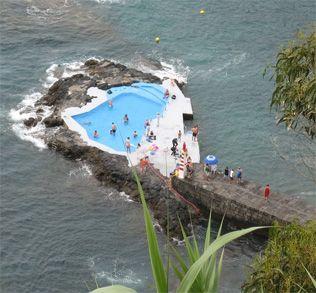Açores mar-piscina. Tão bonito aqui !!