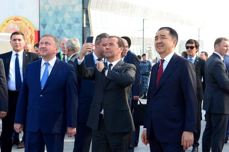 Bakytzhan Sagintayev presents EAEU pavilions at EXPO-2017 to the Heads of Governments of the Union member countries  Today, after the meeting of the Eurasian Intergovernmental Council, the Prime Minister of the Republic of Kazakhstan Bakytzhan Sagintayev together with the Prime Ministers of the Republic of Belarus Andrei Kobyakov, the Kyrgyz Republic - Sooronbay Jeenbekov, the Republic of Armenia - Karen Karapetyan visited the pavilions of the EAEU member states located at the EXPO-2017…