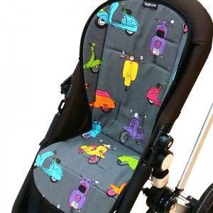 Colchoneta universal para la silla paseo vespas! Con el fondo en gris y vespas de colores, fresquita para el verano