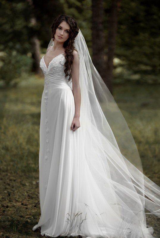 Google Image Result for http://raihan-wed.com/wp-content/uploads/2011/01/papilio-2011-wedding-dress-1.jpg