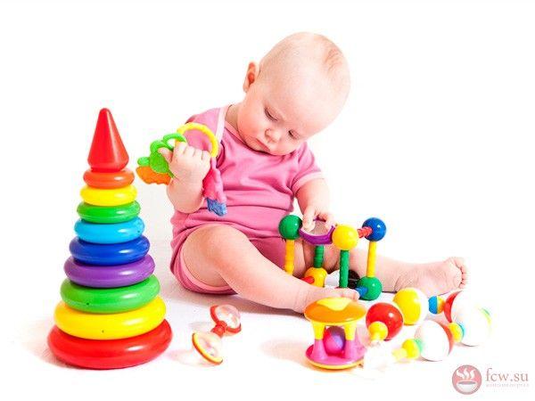 Развивающие игрушки. Подходим к выбору с умом https://www.fcw.su/blogs/moi-rebenok/razvivayuschie-igrushki-podhodim-k-vyboru-s-umom.html  Игрушка – это первый учитель каждого малыша, который позволяет знакомиться с окружающим миром. Во время игры, маленький человек знакомиться с формами, с цветами, знакомиться с твердыми и мягкими предметами, чувствует разницу между гладкой поверхностью и неровной. Еще игрушка может стать замечательным успокоительным для ребенка, ведь, как и взрослый, так…