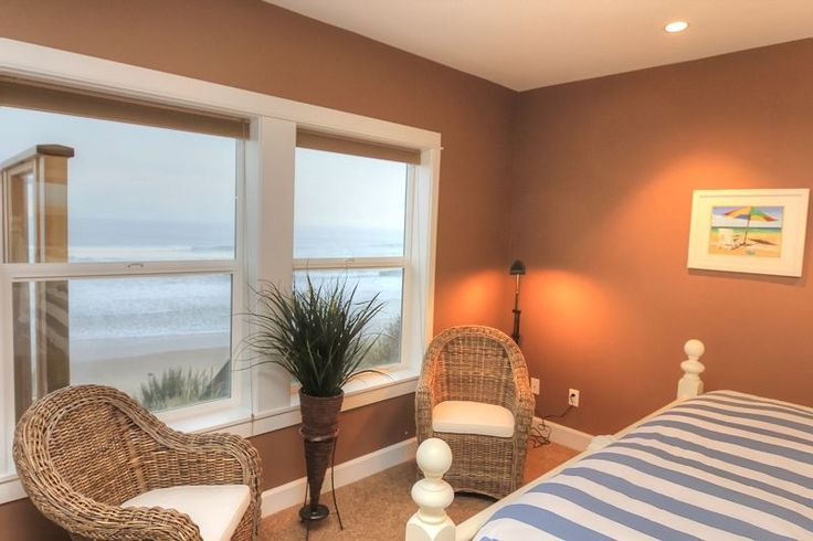 Surfer's View - New Custom Built Ocean Front... - VRBO
