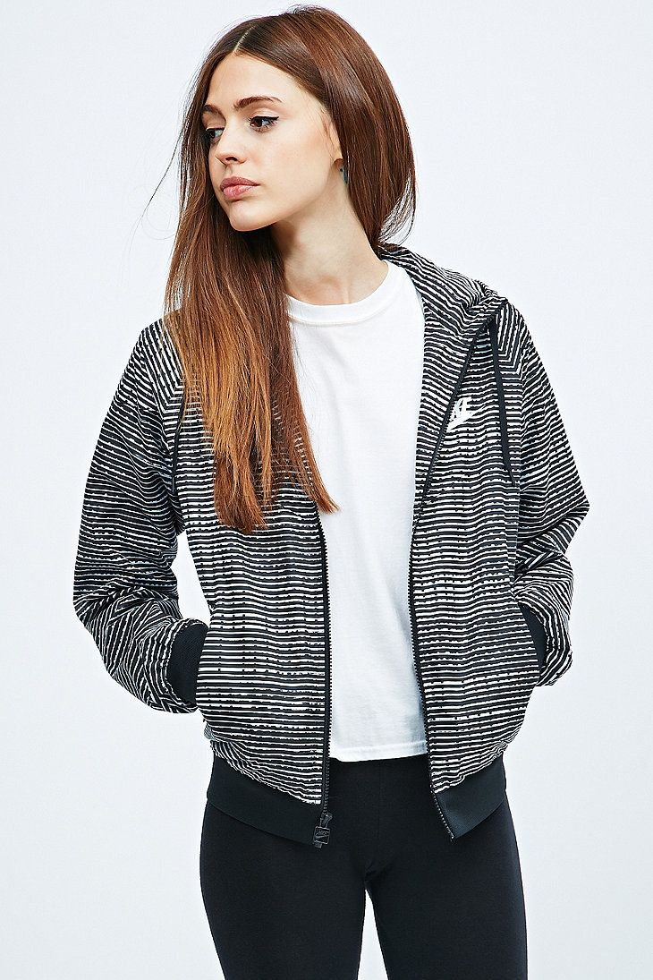 Nike - Veste Windrunner noire et blanche imprimée - Urban Outfitters