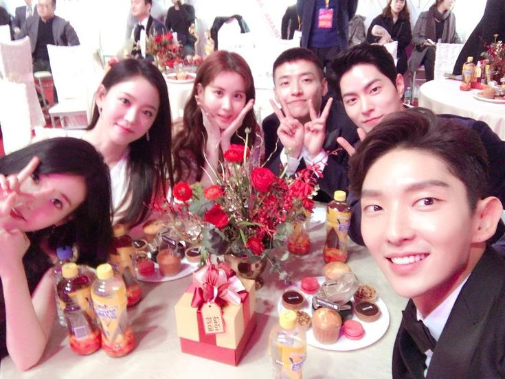 IU Lee Ji Eun , Kang Ha Neul, Kang Han Na, Seohyun and Lee Joon Gi 161231 SBS Drama Awards Kang Han Na IG Update