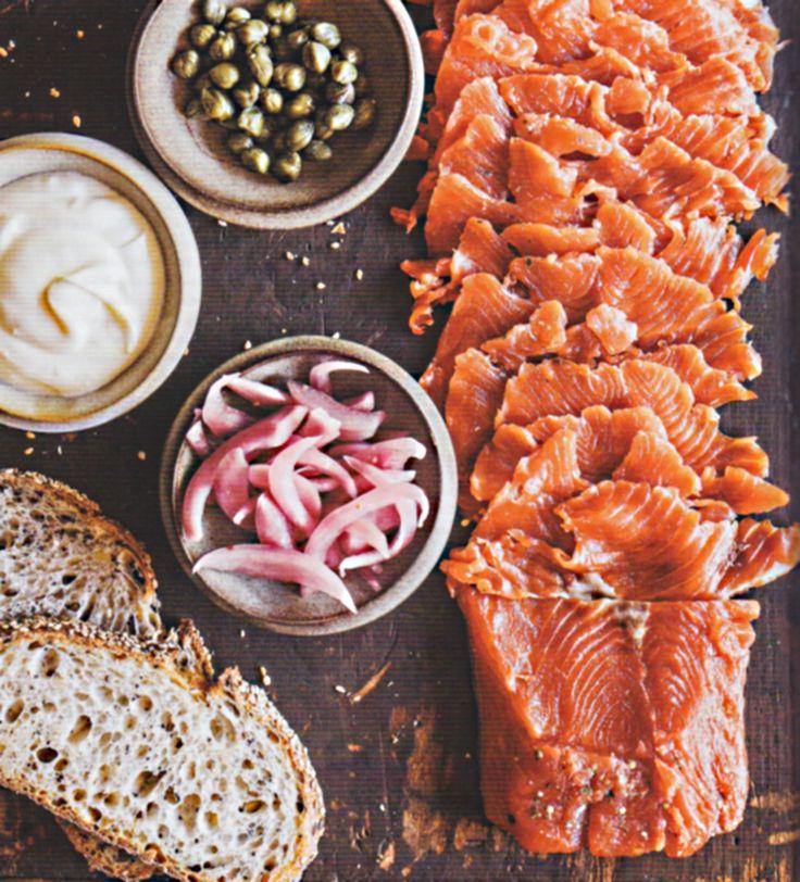 Rezept Mary Karlin Graved Lachs Einfaches Beizen von Fisch Kochbuch Das große Buch vom Fermentieren 2015 AT Fermentation Fische beizen Dill Salz Molke Pfeffer