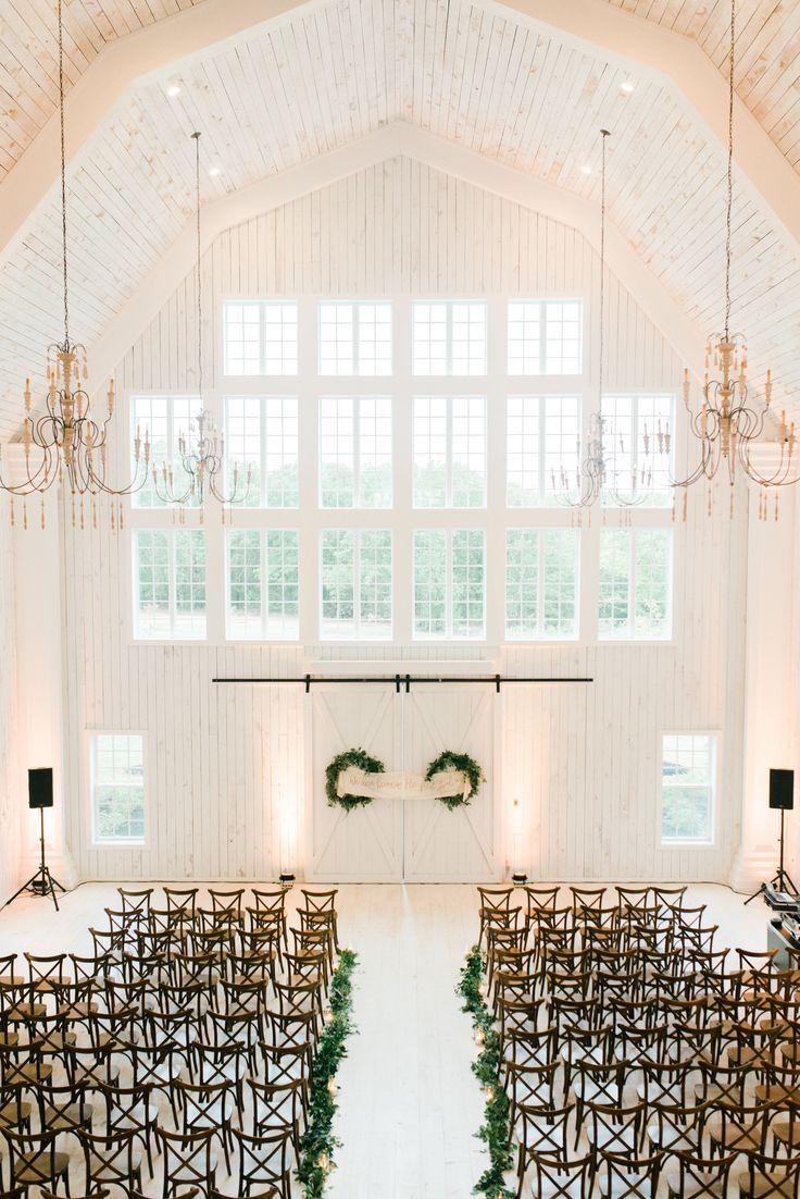 White Sparrow Barn, barn wedding, dallas wedding planner, grit + gold