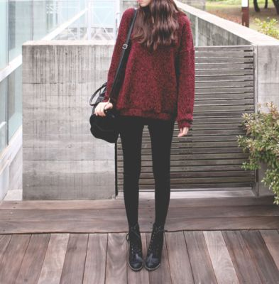 red baggy jumper with black leggings. Little booty shoes so you can wear socks underneath and a casual black bag.