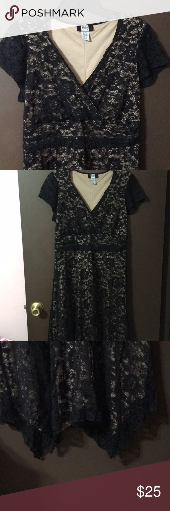 New🎉 cute dress Surplice Black and Tan lace dress with cap sleeves, handkerchief hem and tie waist. So pretty and feminine ❤️ size 16w Studio 1940 Dresses