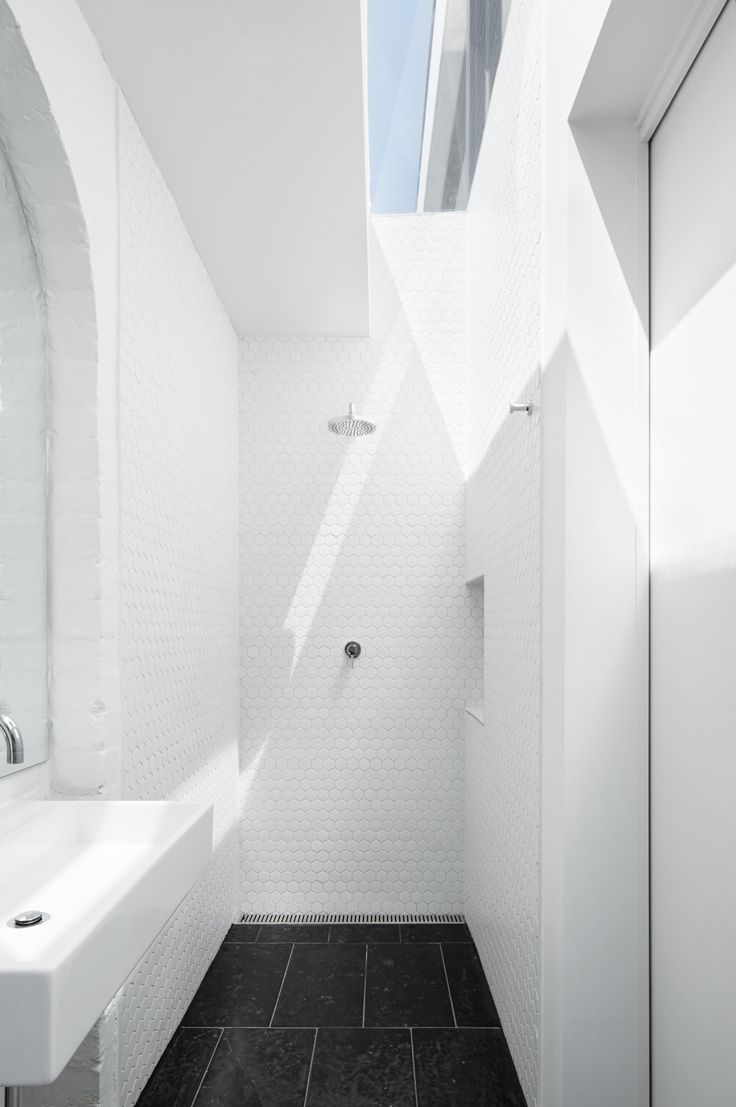 17 best bathroom ideas to take for your own. Design and Images by Tom Robertson Architects.