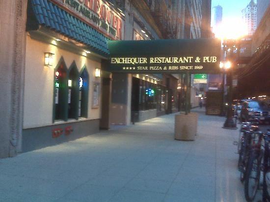 Exchequer Restaurant & Pub Chicago for the best Pizza