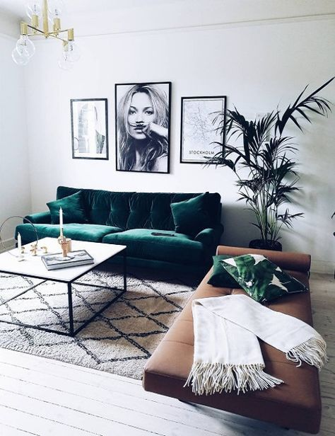 Sofá verde // green velvet sofa, brown leather chaise, black and white gallery wall, Moroccan rug, palm leaf print pillow, coffee table, plant