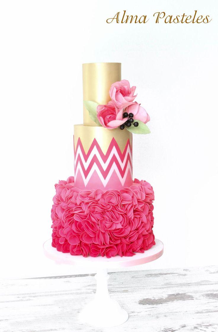 44 besten Modern Metallic Cakes Bilder auf Pinterest
