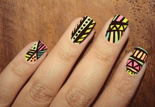 Decoración de uñas de colores: Tendencias 2012