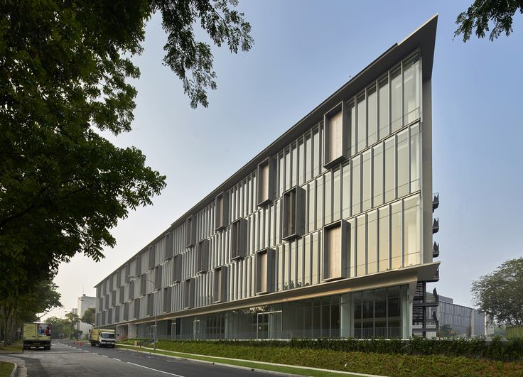 Completed in 2015 in Singapore. Images by Aaron Pocock. Tagore 8 is multi-user light industrial factory located in Tagore Industrial Estate.The main generating concept of the project lies in a continuous...