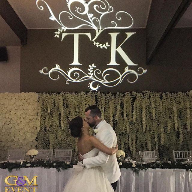 A gorgeous moment from last nights wedding @victoriapark :: Congratulations Kathryn & Thomas!! :purple_heart::purple_heart: #gmeventgroup #weddinglighting  #wedding #custommonogram #djbriandavis #bridalwaltz #brisbanewedding #queenslandweddings