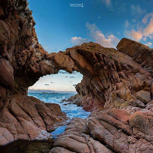 Usa #sardegnaofficial nelle tue foto e nei tuoi video per farceli condividere nella nostra pagina 😉 Cala Romantica - Scatto di @giannifresi ricondiviso su Facebook. VIENI A TROVARCI SU FACEBOOK AL LINK NELLA HOME PAGE. FOLLOW US ON FACEBOOK. LINK IN HOME PAGE. #sea#spiaggia#beach#sardinien#love#sardinia#sardegna#italy#pic#city#good#beautiful#cool#webstagram#squaready#sky#landscape#nature#holiday#color#art#cerdeña#cute#fashion#nofilter#paradise#calaromantica