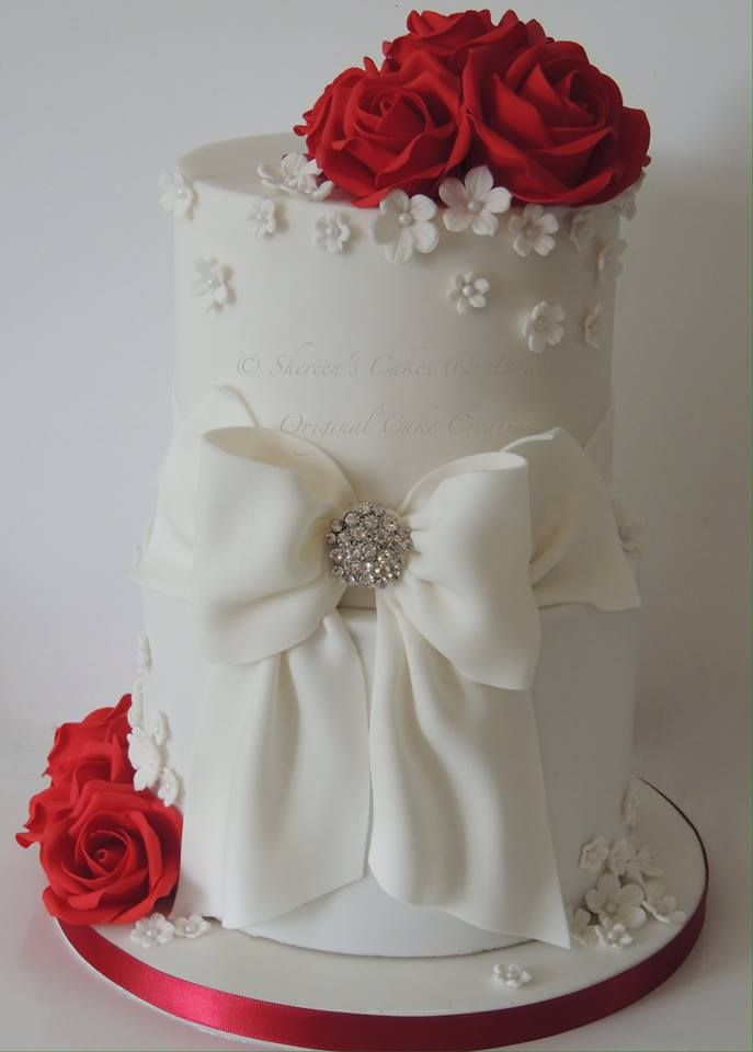 wedding cake white roses 1000 ideas about wedding cakes on 26816