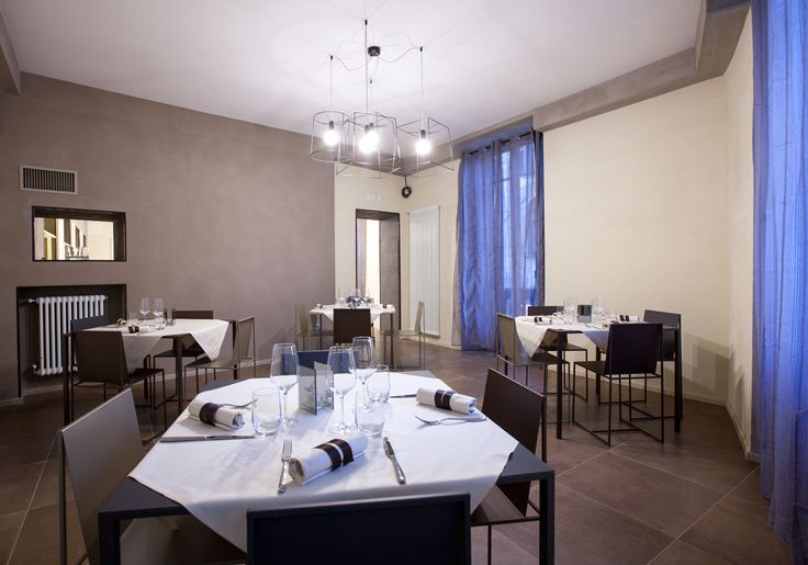 D'Italia, bar and restaurant in Vercelli, Italy. Architect Arianna Pozzuolo