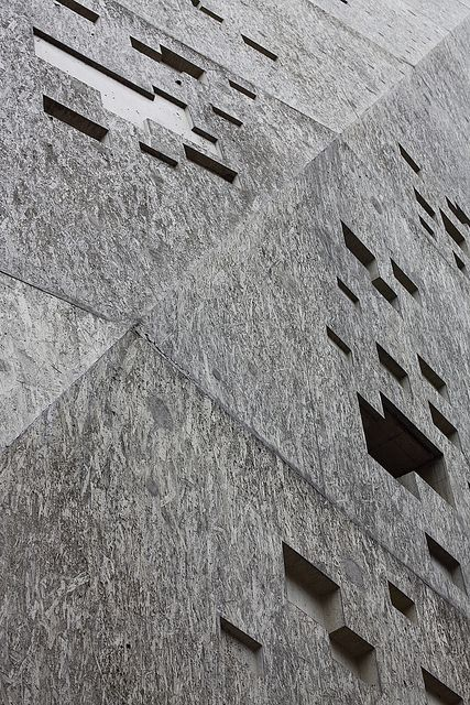 concrete surface shaped by OSB boards Historical Museum, Bern_:mlzd