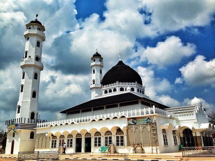 Fotowarga Masjid Abu Daud Beureueh Masjid Abu Taj Mahal