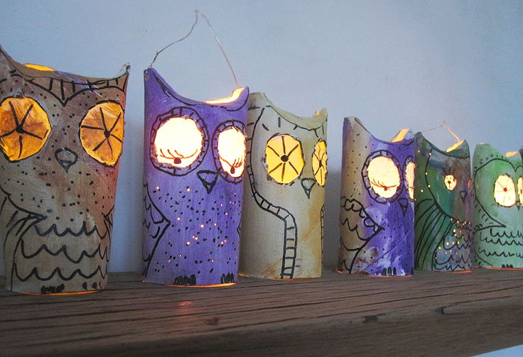 German Blog Minidrops- Cute Owls that could be hung in the Christmas tree or put in surprising places --their eyes glow from the light of a battery tea light candle.