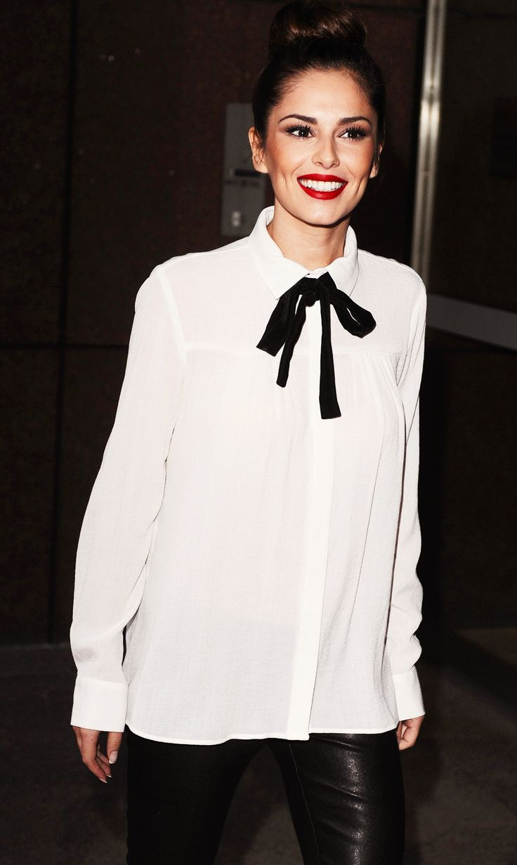 Loose White Blouse And Black Neck Tie Style Inspiration