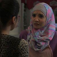 Wanita Tetap Wanita - Sinopsis Dan Foto Adegan Film Wanita Tetap Wanita - #selebuzz -