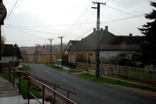 http://www.koppanyszanto.hu/album/slides/Koppanyszanto%20(20).JPG