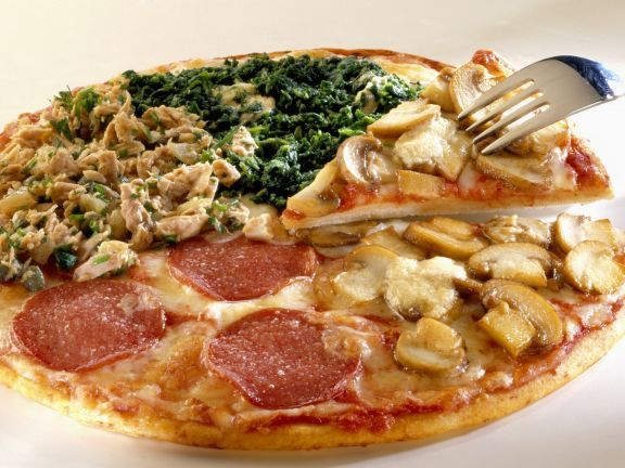 Pizza quattro stagioni ist ein Rezept mit frischen Zutaten aus der Kategorie Blattgemüse. Probieren Sie dieses und weitere Rezepte von EAT SMARTER!